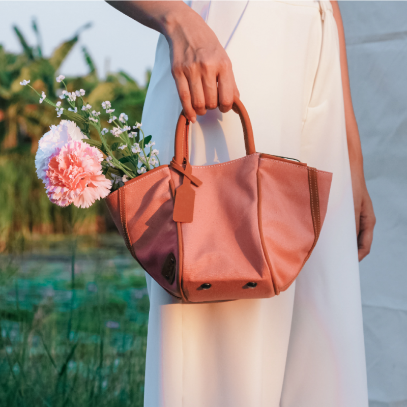 Yasmine Softly Structured Leather Canvas Bag - Dusty Pink