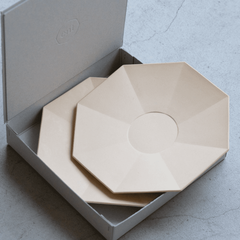 eni Plate 230 × 2 with a box - Plane