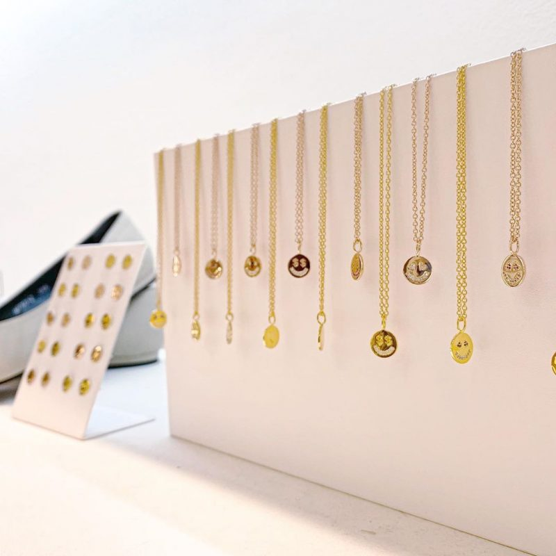 Smiling Face Necklace (Yellow Gold/blue)